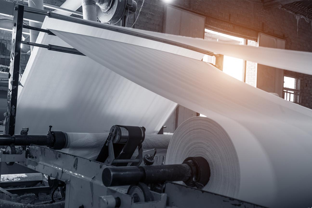 SGD Spaltabdichtungen verhindern eine Kontamination der Zellstoffe während der Papierherstellung durch Schädlinge oder Staub.