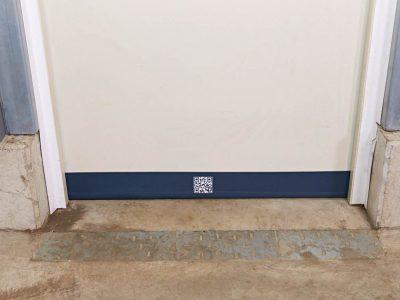 Fertig montierte SGD Spaltabdichtung SAMT an einer Tür.