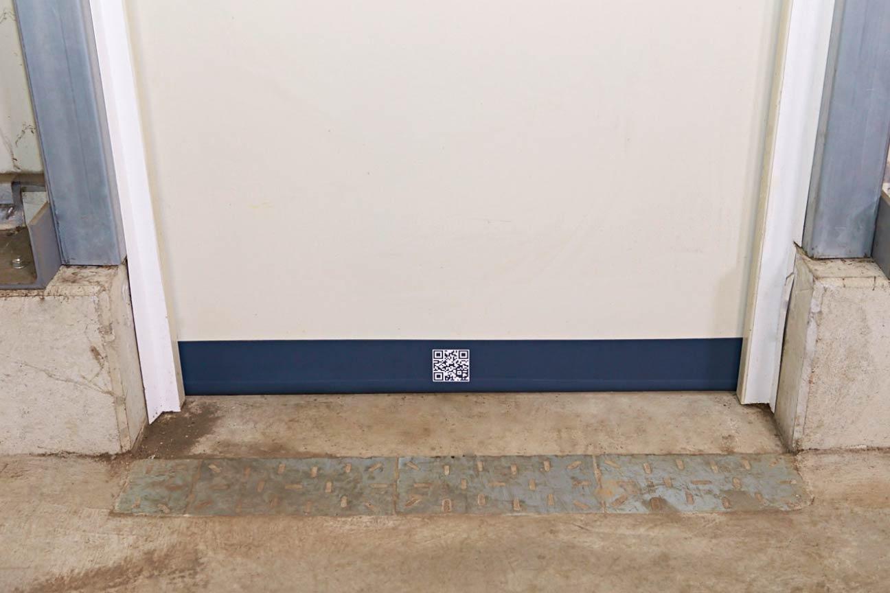 Berühmt Statt Gummidichtungen: Spaltabdichtung für Türen im Gewerbe PN65
