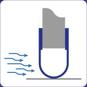 Schematische Darstellung der Zugluft stoppenden Wirkung der Spaltabdichtung für Türen und Tore.